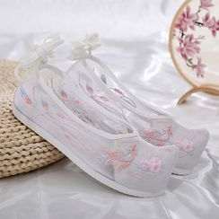 Kyotopia - Floral Embroidered Mesh Hanfu Flats