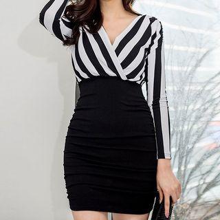 Kevina - 长袖条纹迷你塑身连衣裙