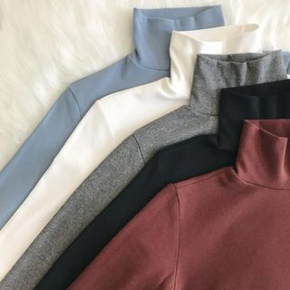 Amoura - Langarmiges Rollkragenhemd