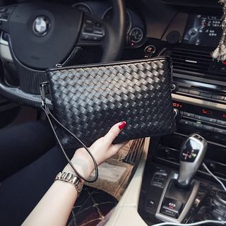 BagBuzz - Woven Clutch