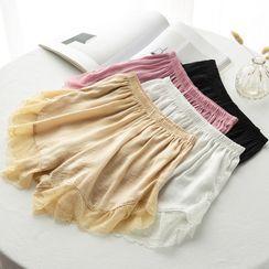 Makatar - Lace Hem Under Shorts