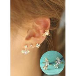kitsch island - Flower Ear Cuff
