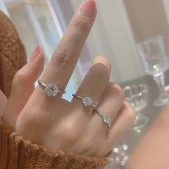 Zatanna - Rhinestone Sterling Silver Ring