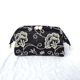 TIDBIT - Embroidered Makeup Pouch