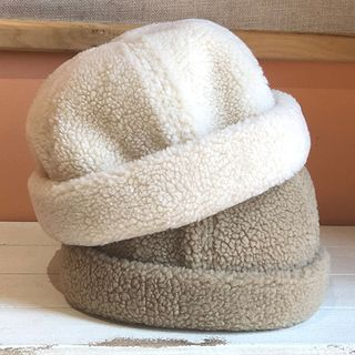 Hats 'n' Tales - Faux Shearling Brimless Cap