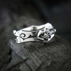 Sterlingworth - Engraved Jagged Sterling Silver Ring