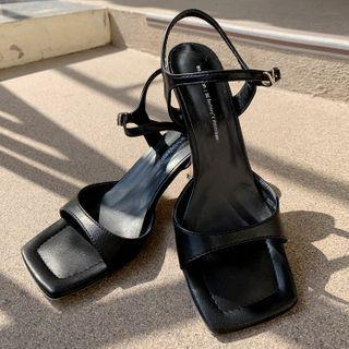 DEEPNY - Vivid Square-Toe Ankle-Strap Sandals