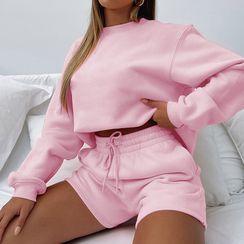 Femme Cradle - Set: Long Sleeve Plain Crop Sweatshirt + Shorts