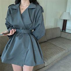 Berrytrix - 扣帶平駁領風衣連衣裙