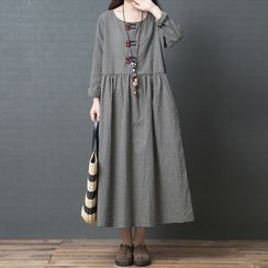 INEN - Gingham Long-Sleeve Midi Shift Dress