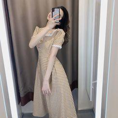 Elbelier - Short-Sleeve Plaid Lace Trim Midi A-Line Dress