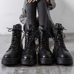 Yuki Yoru - Lace Up Platform Short Boots
