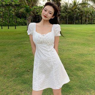 Windflower - 短袖通花蕾絲迷你A字連衣裙