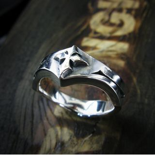 Sterlingworth - Cross Engraved Jagged Sterling Silver Ring