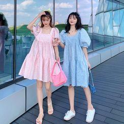Closette - 泡泡袖A字連衣裙