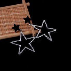 Prushia(プルシア) - Rhinestone Star Drop Earring