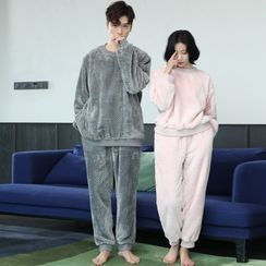 Cinni - Couple Matching Pajama Set: Velvet Top + Pants