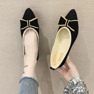 Novice(ノバイス) - Bow Applique Pointy-Toe Flats