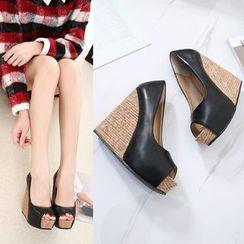 Tishia - 拼色坡跟涼鞋