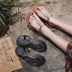 Putcho - T-Strap Sandals