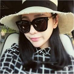 MOL Girl - Retro Square Frame Sunglasses