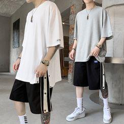 百高 - 套裝: 中袖T裇 + 寬腿短褲