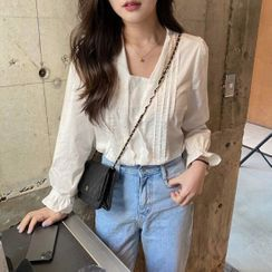 Tangihouse - Lace Trim Long-Sleeve Pintuck Blouse