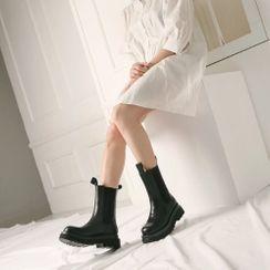 Wifky(ウィフキー) - Lug-Sole Cowhide Midi Chelsea Boots