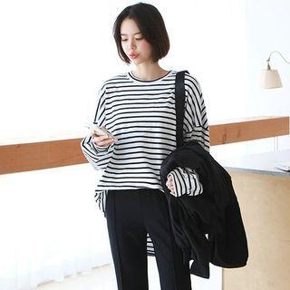 Seoul Fashion(ソウルファッション) - Striped Oversized T-Shirt
