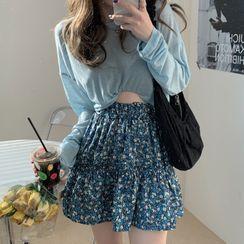 Gilmort(ギルモート) - Long-Sleeve Plain T-Shirt / Floral Print Mini A-Line Skirt