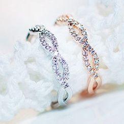 True Glam - Anillo de giro de diamantes de imitación