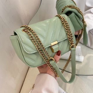BAGSHOW(バッグショウ) - Quilted Flap Chain Crossbody Bag